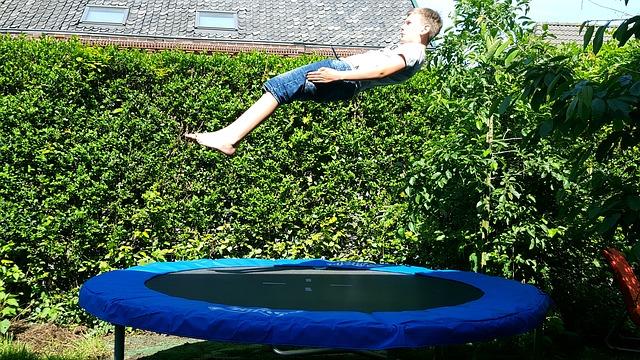 skok na trampolíně